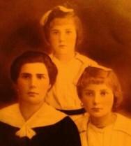 From top clockwise: Doris, Stefania and Alexandra